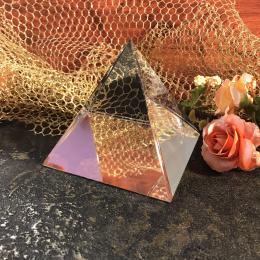 Стеклянная пирамида 4,8х4,8х5,5 см