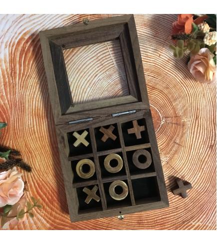Крестики нолики в деревянной шкатулке
