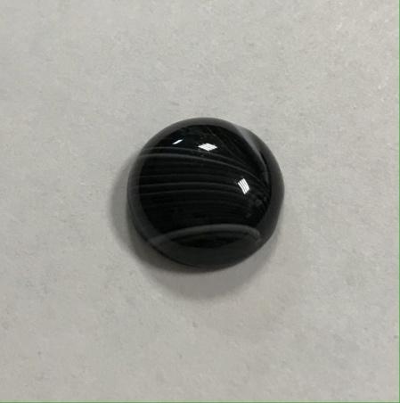 Маленький кабошон из черного агата