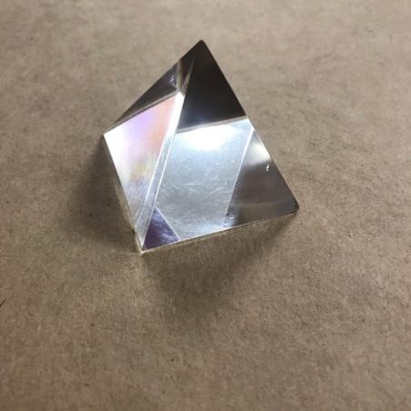 Стеклянная пирамидка 5,8 см