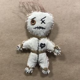 Кукла Вуду с вышивкой