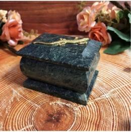 Шкатулка из камня для украшений